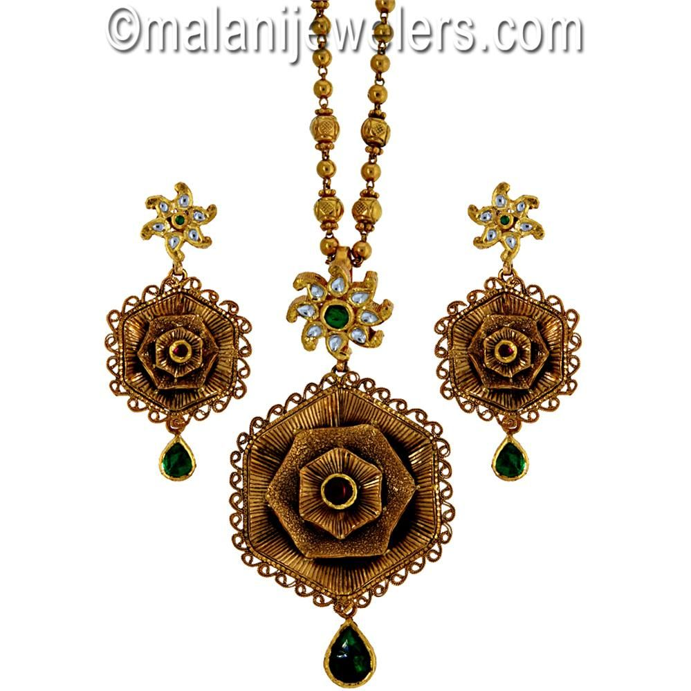 22 karat gold antique tantalizing ruby emerald polki stone pendant 22 karat gold antique tantalizing ruby emerald polki stone pendant set sku 7 aloadofball Image collections