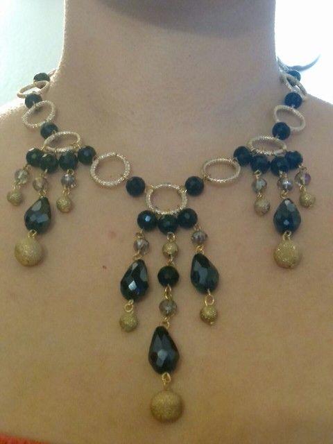 5f1267c5c2b Collar dorado con piedras ovaladas y redondas negras | bisutería ...