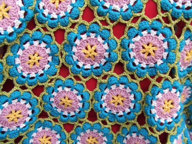 Room No# 15, flower blanket, crochet, häkeln, bedspread, afghan ...