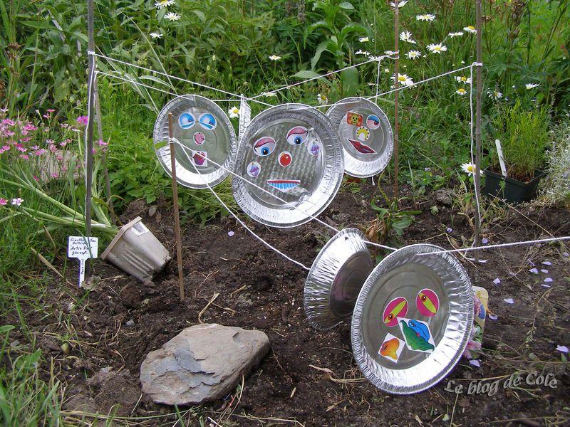 Bricolage facile pour enfant le blog de cole bricolages jardins scolaires jardins et - Faire peur aux oiseaux jardin ...