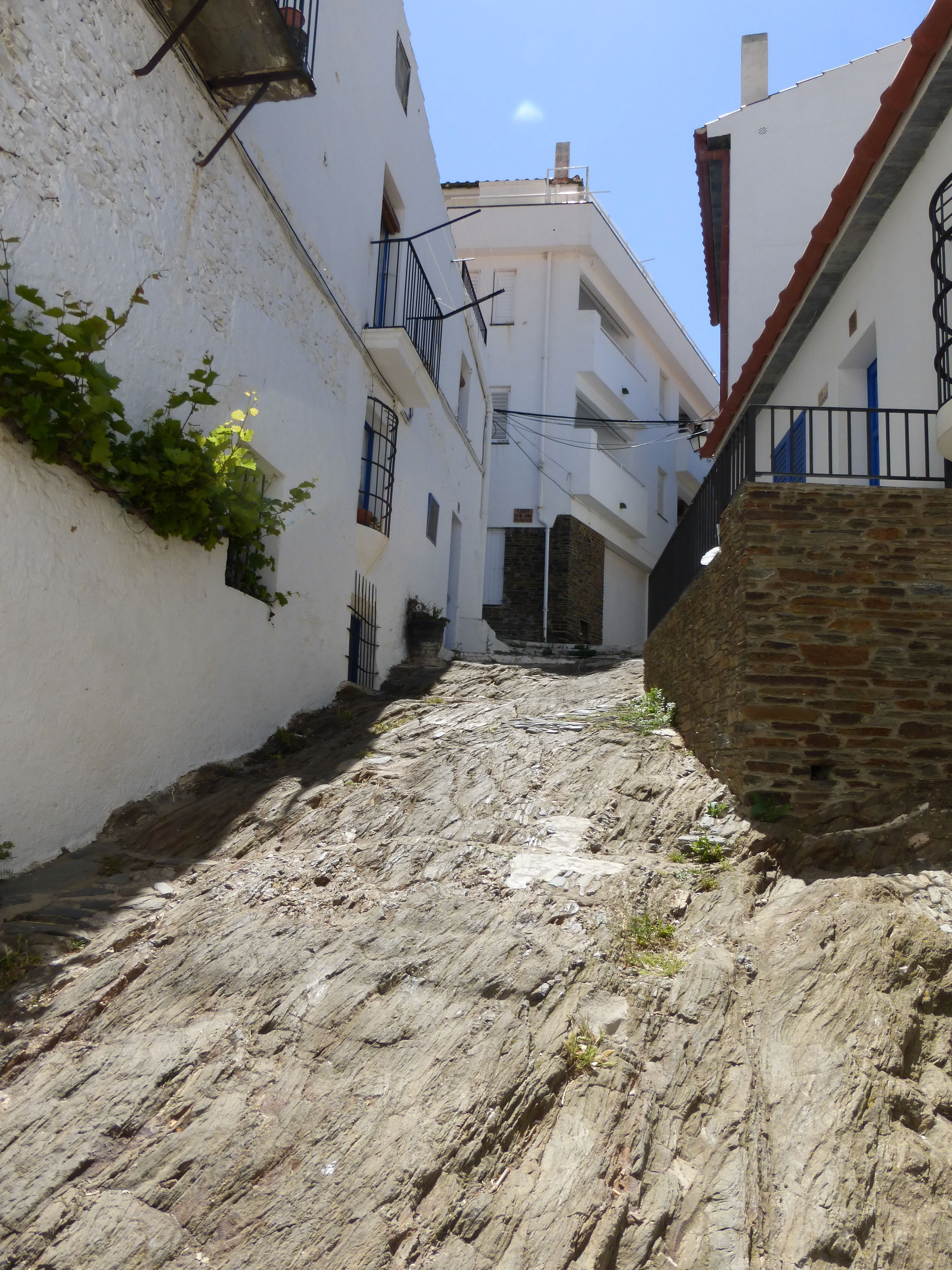 17th May 2014 day trip in #Cadaques with @Easeetrip. A #client send us some beautiful pictures of the #day #trip. Thank you very much for these magnificent #photos!!! www.easeetrip.com