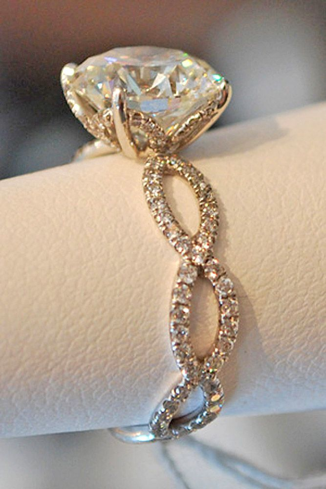 Spectacular Vintage Engagement Rings With Stunning Details See more http