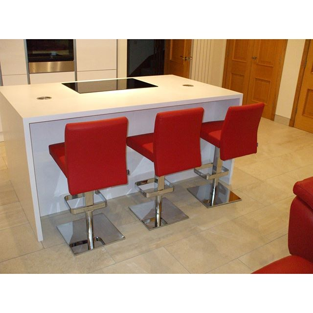 Center Adjule Stools With Lipstick Red Leather And Mirror Chrome Bases Colours The Opposite Way Round From Last Picture