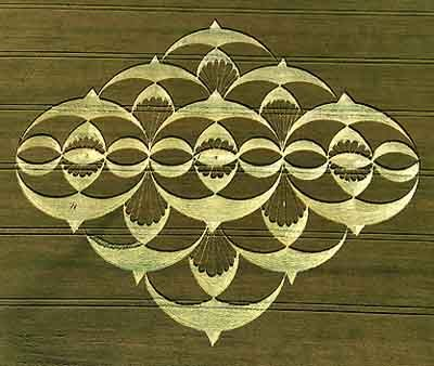 Part 2:  Crop Circle in South Field, Alton Priors, Wiltshire, England on July 21, 2008 - photo from Crystalinks;  It seems the 'creators' added to their design the next night.