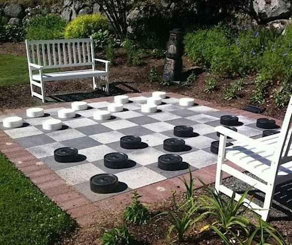 Un tablero gigante de ajedrez Patio trasero, Ajedrez y Patios