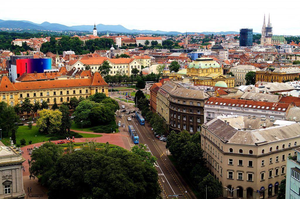 Zagreb From Above Dinner In The Sky Croatia Zagreb 2015 Fliiby Dinner In The Sky Croatia Zagreb