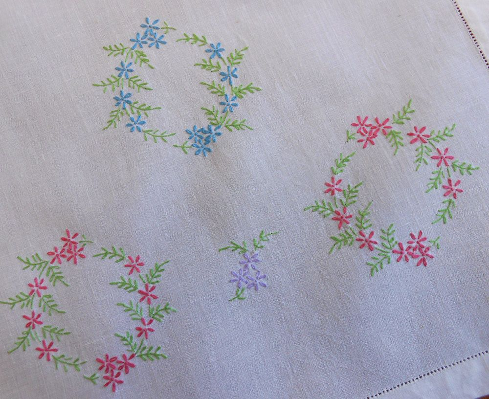 Vintage Table Runner Cross Stitch Linen Blue Pink