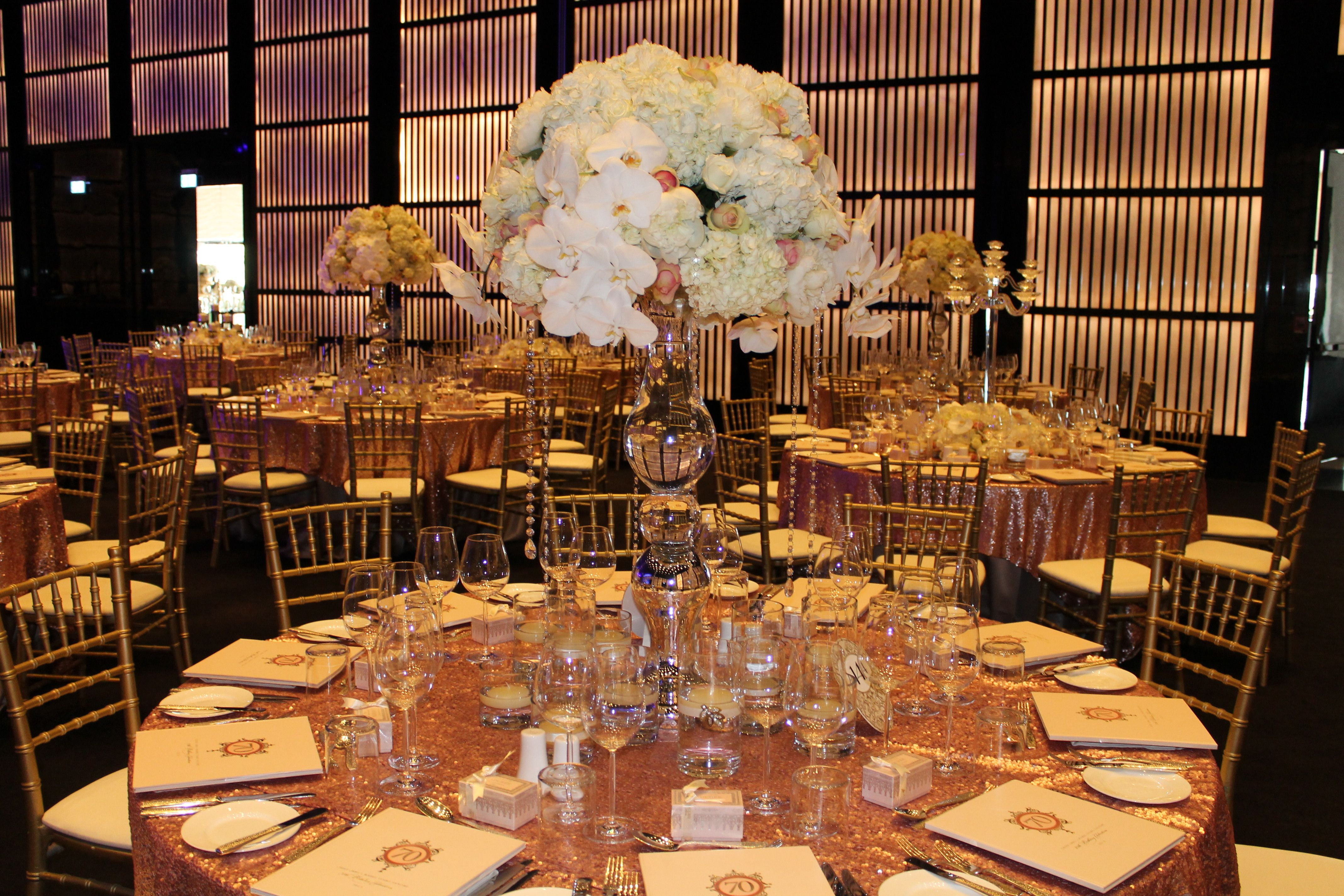 Wedding decor by art and flower armani hotel event dubai for Hotel wedding decor