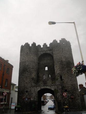 Une porte d\u0027entrée de la ville de Drogheda Chouette mais il