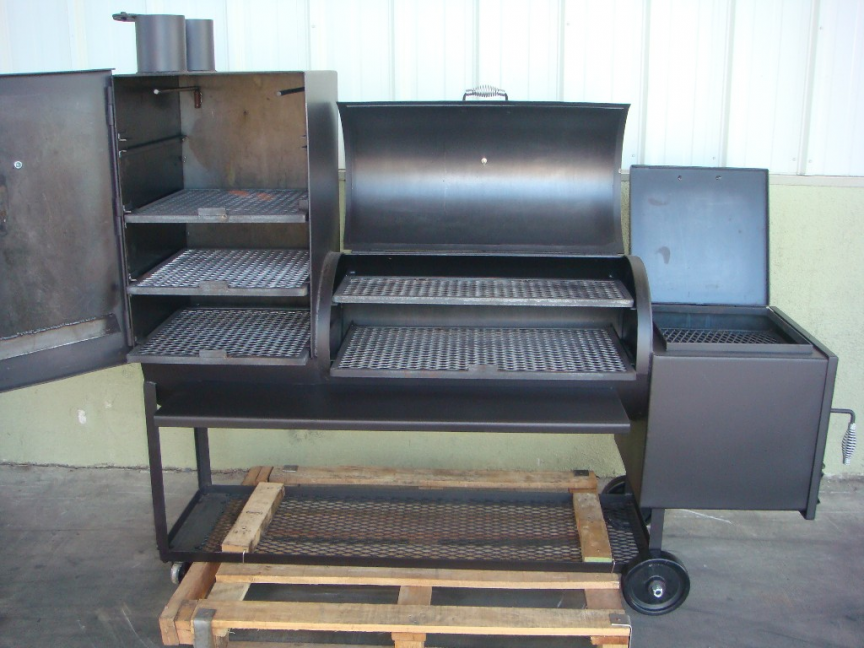 Overall Over Of The BBQ Smoker While It Is Closed And Open