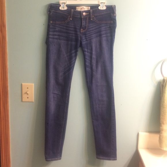 Hollister blue jeans blue jeans, great condition Hollister Pants Skinny