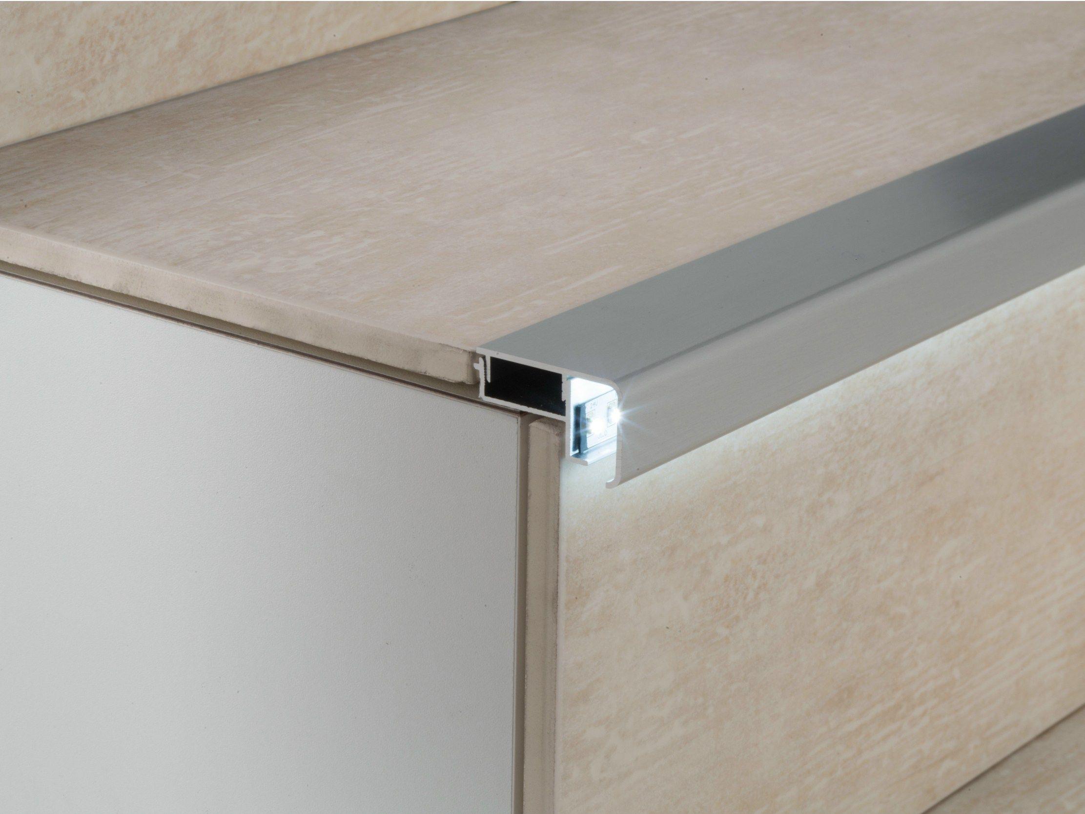 Perfiles Esquineros De Aluminio Con Led Prolight Prostep G 8 Led Coleccion Prolight By Profilpa Eclairage Escalier Deco Escalier Idees Pour La Maison