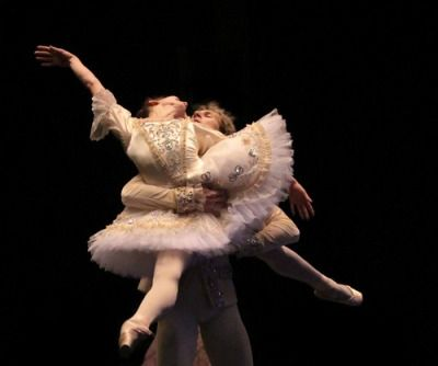 Ekaterina Krysanova and Semyon Chudin in rehearsal to Bolshoi's The Sleeping Beauty  Credits to BEK studios