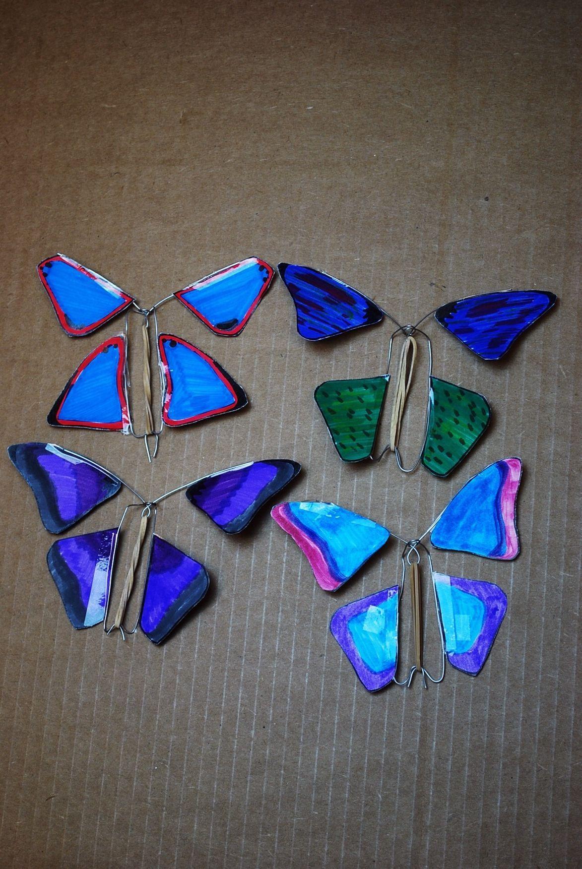 Make A Fluttering Butterfly In 2021 Flying Butterfly Card Butterfly Template Butterfly