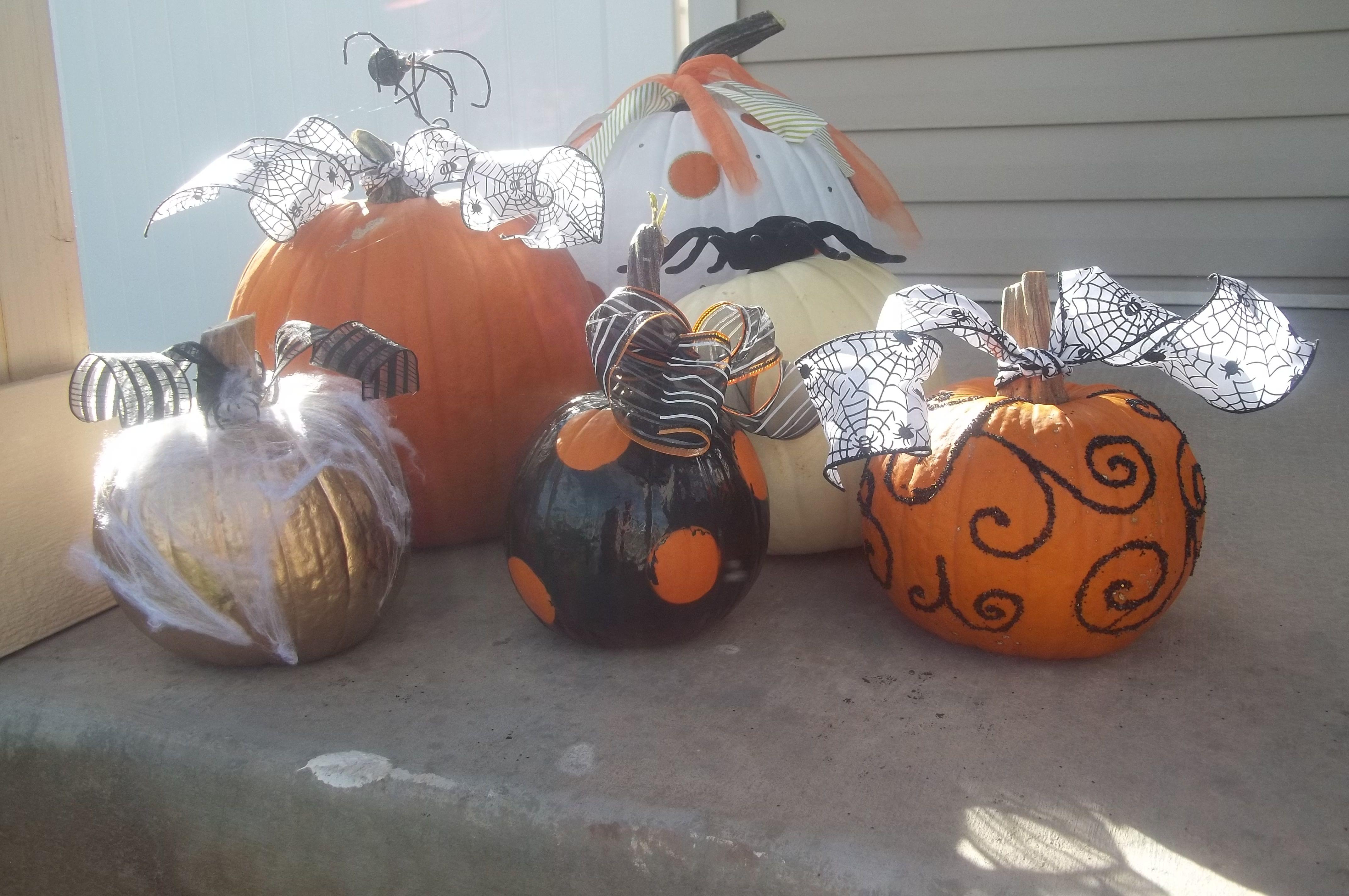 spray painted pumpkin creations Halloween fun, Holiday