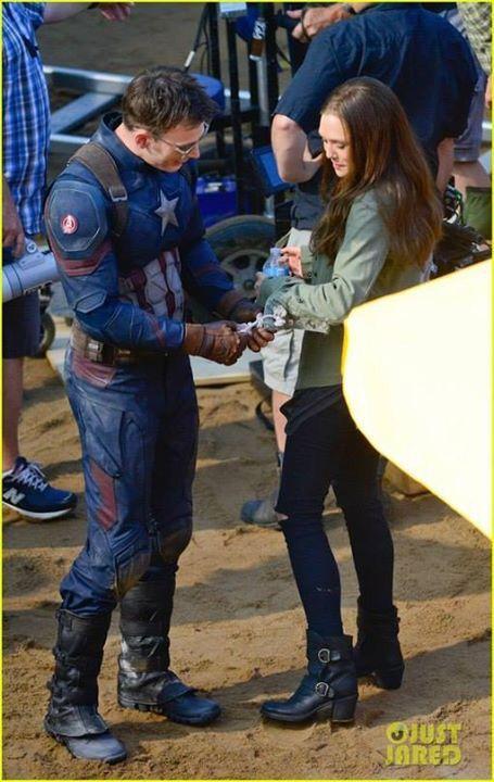 Chris Evans And Elizabeth Olsen Filming Scenes For The Upcoming Movie Captain America Civil Chris Evans Captain America Civil War Chris Evans Captain America