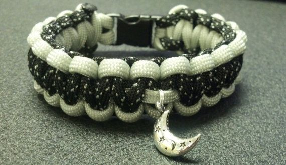 """""""To the moon & back"""" Paracord Survival Charm Bracelet in Starry Night/Silver 550 lb military cord*"""