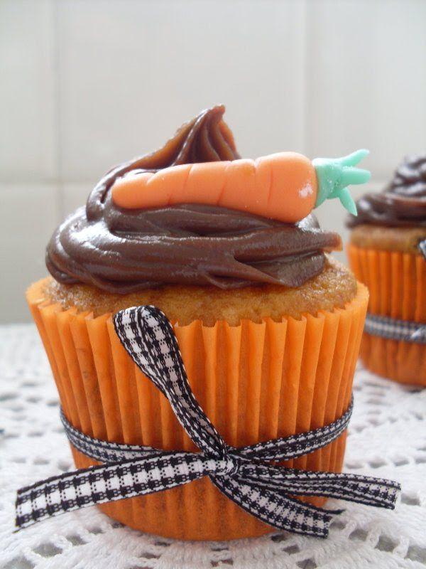 Ellyn Camargo : Receita: Cupcake de cenoura com cobertura de briga...