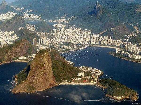 #Viagem.  Stay in style at Copacabana Beach, Rio de Janeiro