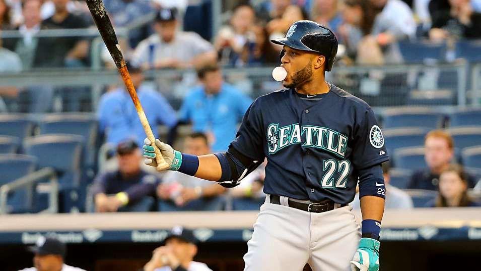 Cano, rookie pitcher Elias help Mariners sweep Yankees
