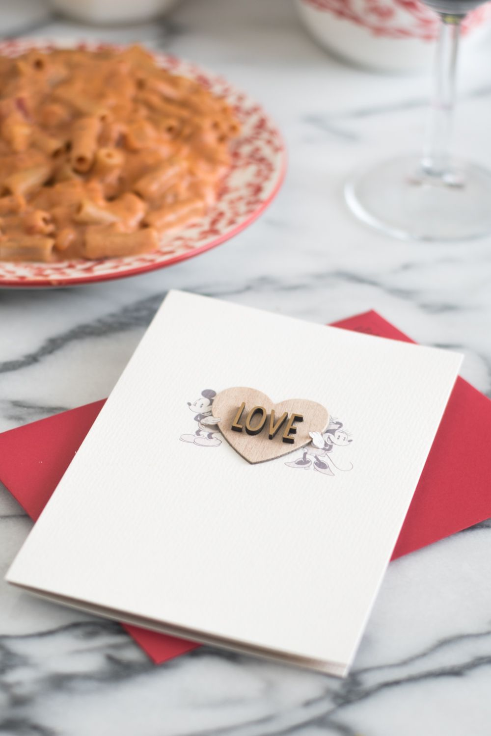 How to Host a Romantic Date Night at Home | Romantic and Recipes