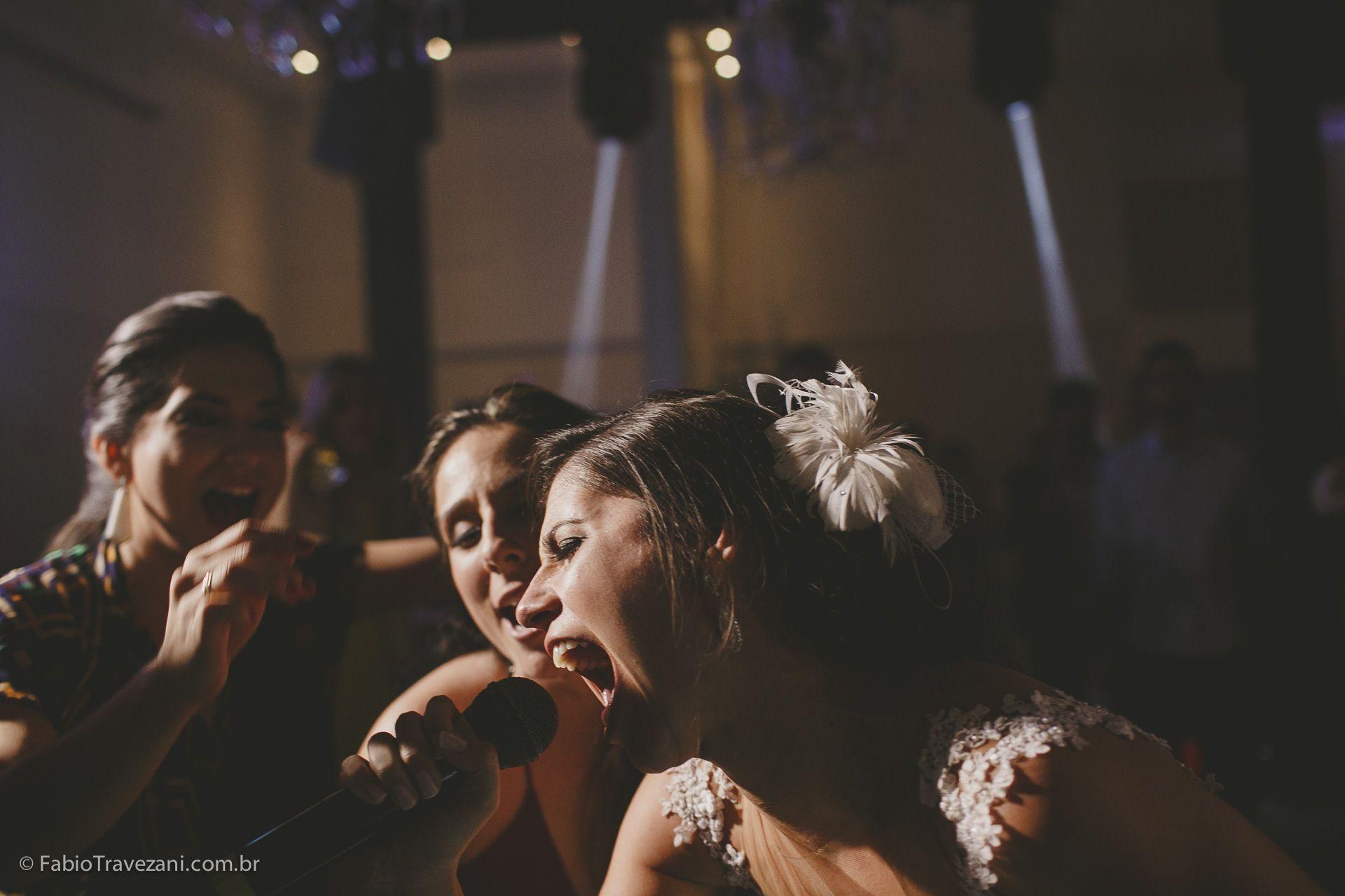 Casamentos Reais: Roberta e Leandro - Vem ver que união linda e animada, com cliques de tirar o fôlego de Fábio Travezani! Post imperdível, confiram: