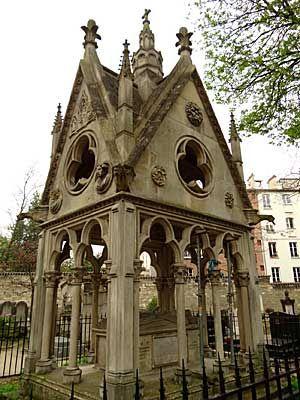 Túmulo de Abelardo e Heloisa em Paris
