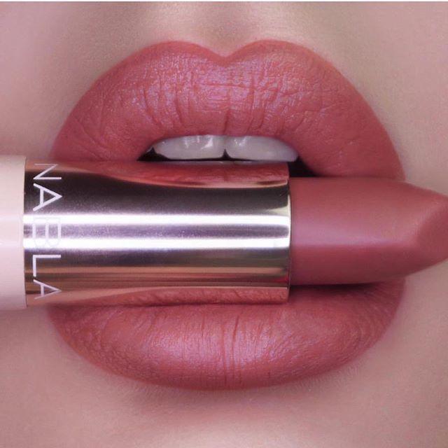 Touch me lipstick Nabla cosmetics
