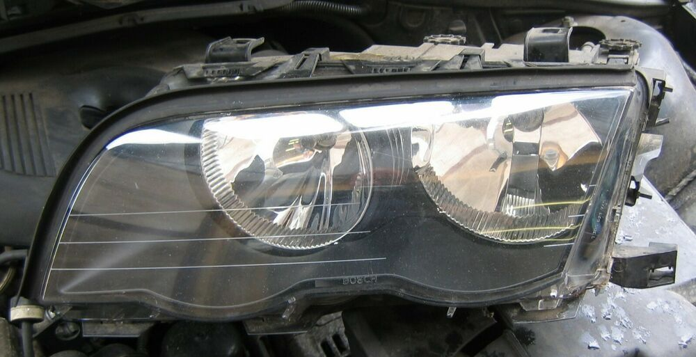 Genuine BMW Left /& Right Genuine BMW Windshield Wiper Motor Covers BMW E36 3 Series