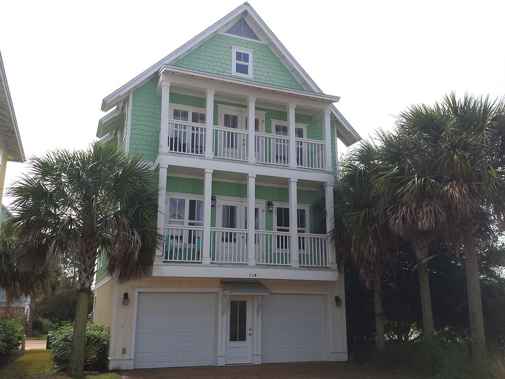 Book Glisten, a 3-bedroom vacation rental in Blue Mountain beach that will sleep 8. Book online or over the phone.