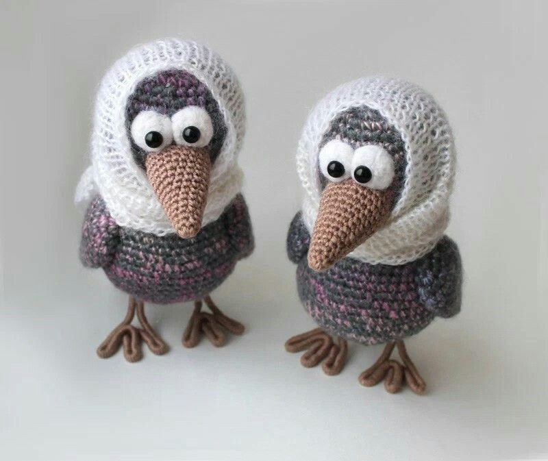 Two CURIOUS CROWS to add to your Amigurumi Animal collection. Enjoy creating your own SPECIAL Birds❗