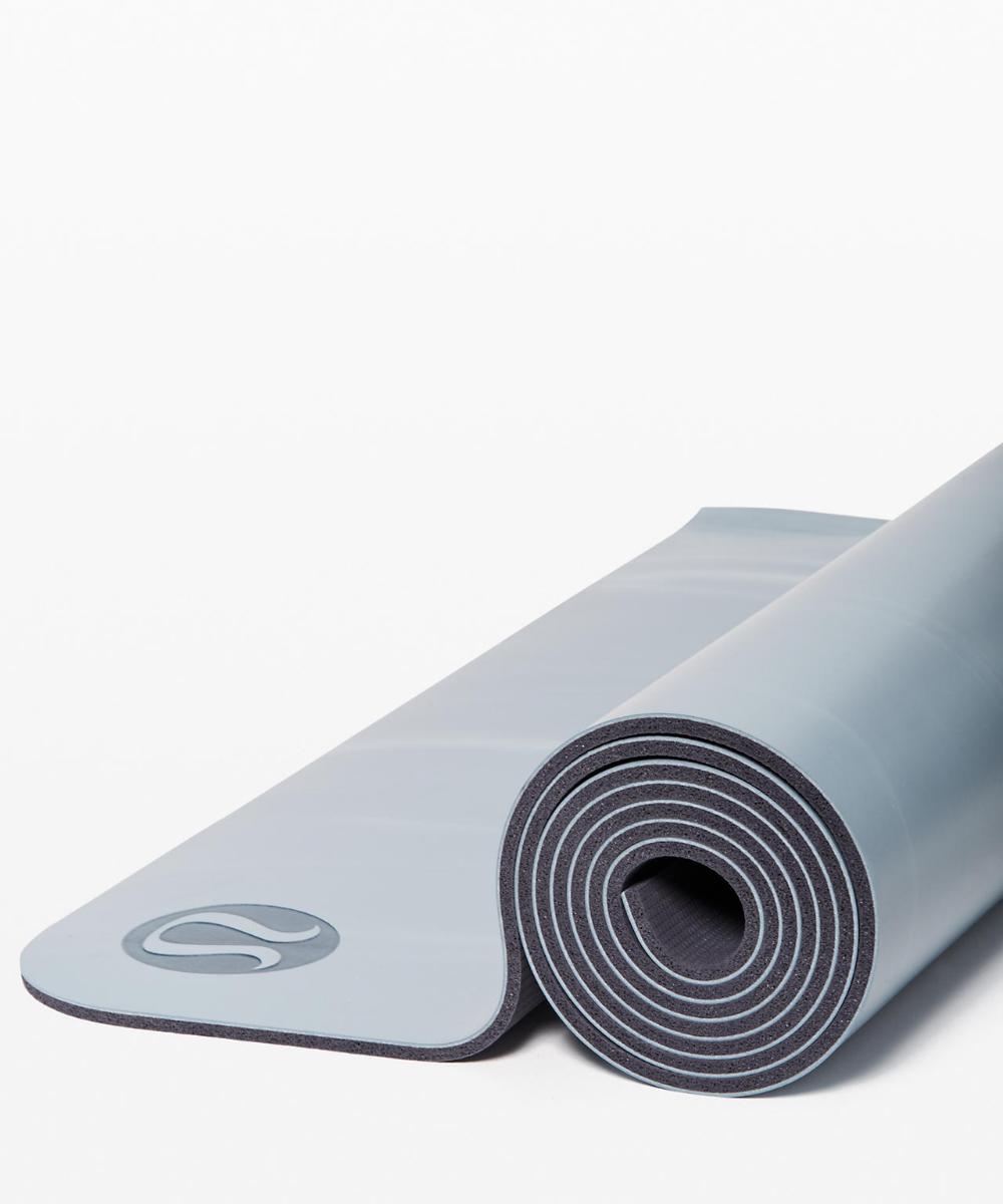 The Reversible Mat 5mm Women S Yoga Mats Lululemon Yoga Women Fit Black Women Yoga Mat