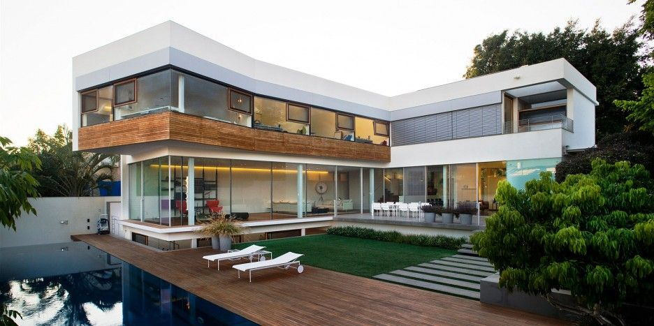 Modern House Exterior Design With Glass Wall House Designs