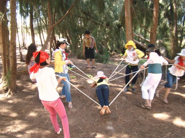 Outdoor Teamwork Games Let S Have Lunch Tro Chơi Sinh Hoạt