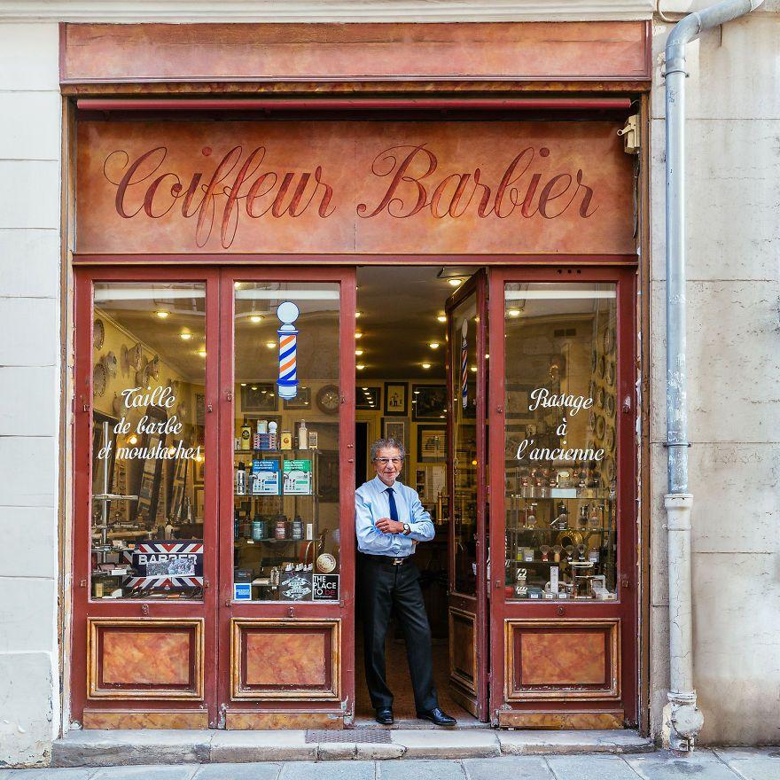 Alain At The Door Of His Barber Shop The Most Famous In Paris Devanture Facades De Magasins Devanture Magasin