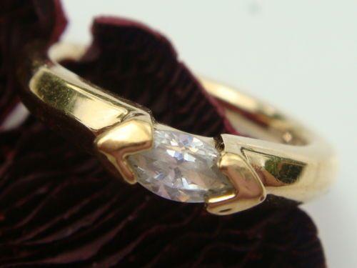Eleganter-Ring-Pierre-Lang-vergoldet-mit-Edelstein