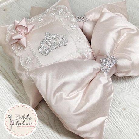 Bebek ve anne ürünleri, hediyeleri, malzemeleri dileksbabyshower.com da! Kişiye Özel Anne, Bebek süsleri ve ürünleri, modelleri ve fiyatları. dileksbabyshower.com da!  #anneyataksüsü #bebekyataksüsü #babyshower #baby #babygirl #babygiftsideas #gifts #gift #bebeksüsü #bebeksüsleri #bebekürünleri #bebekhediyeleri #babyshowerdecorations #bebekodasısüsü #hastaneodasısüsü #hastaneodasısüsleme