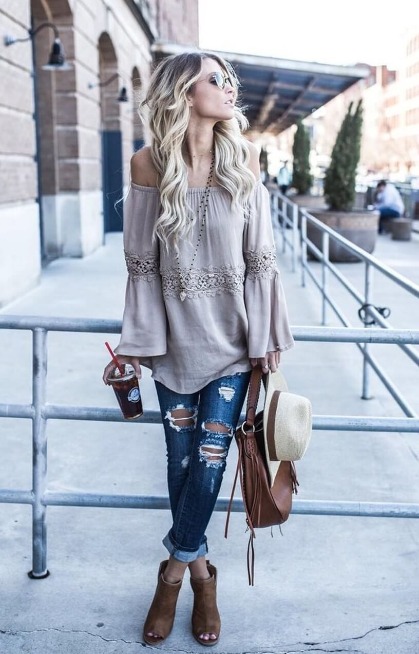 39e48b73ca5856 25 Ripped Jeans Outfits That Prove Denim Is Here to Stay