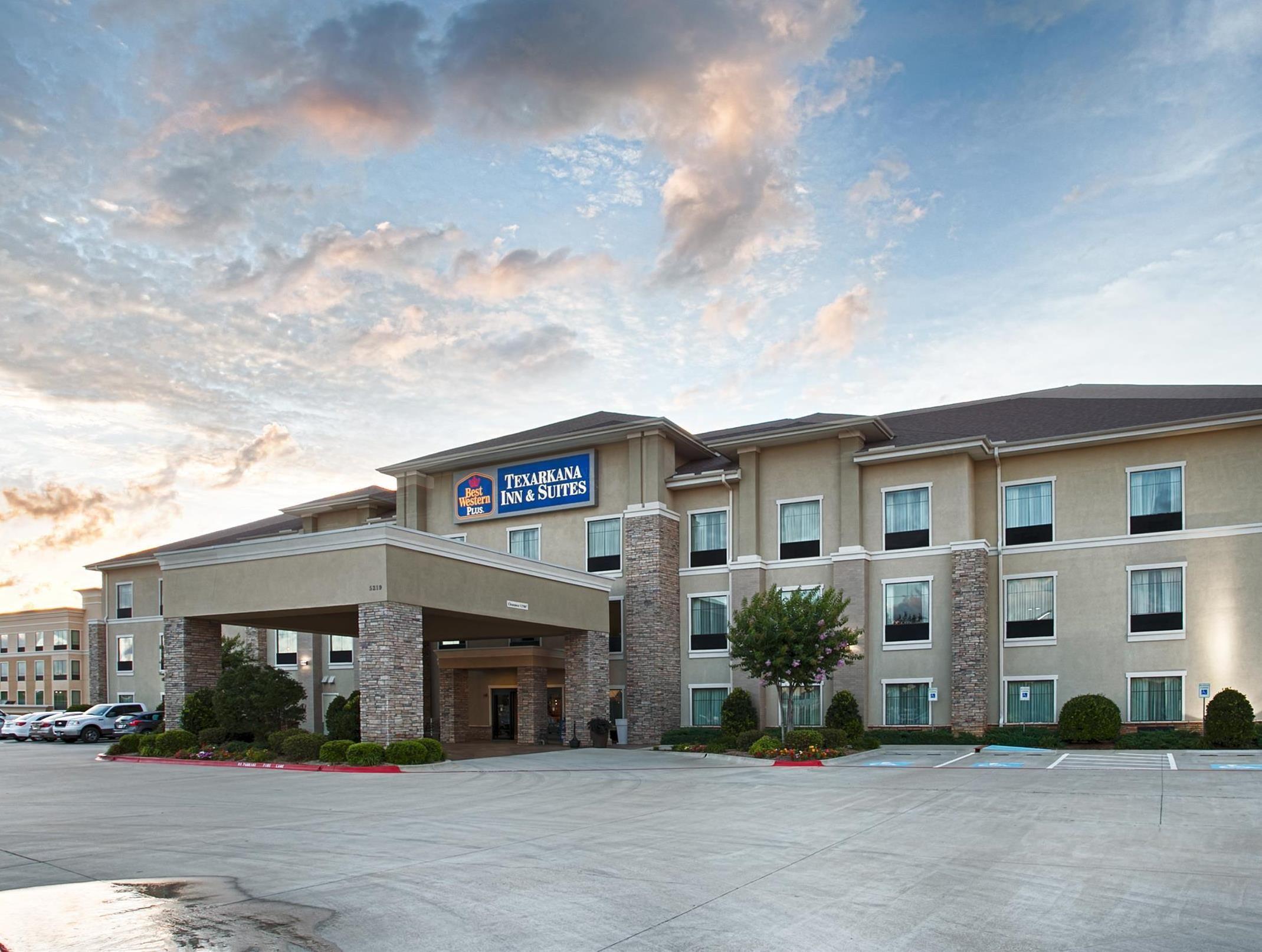 Americas Best Inn And Suites Emporia Texarkana Ar Best Western Plus Texarkana Inn And Suites United