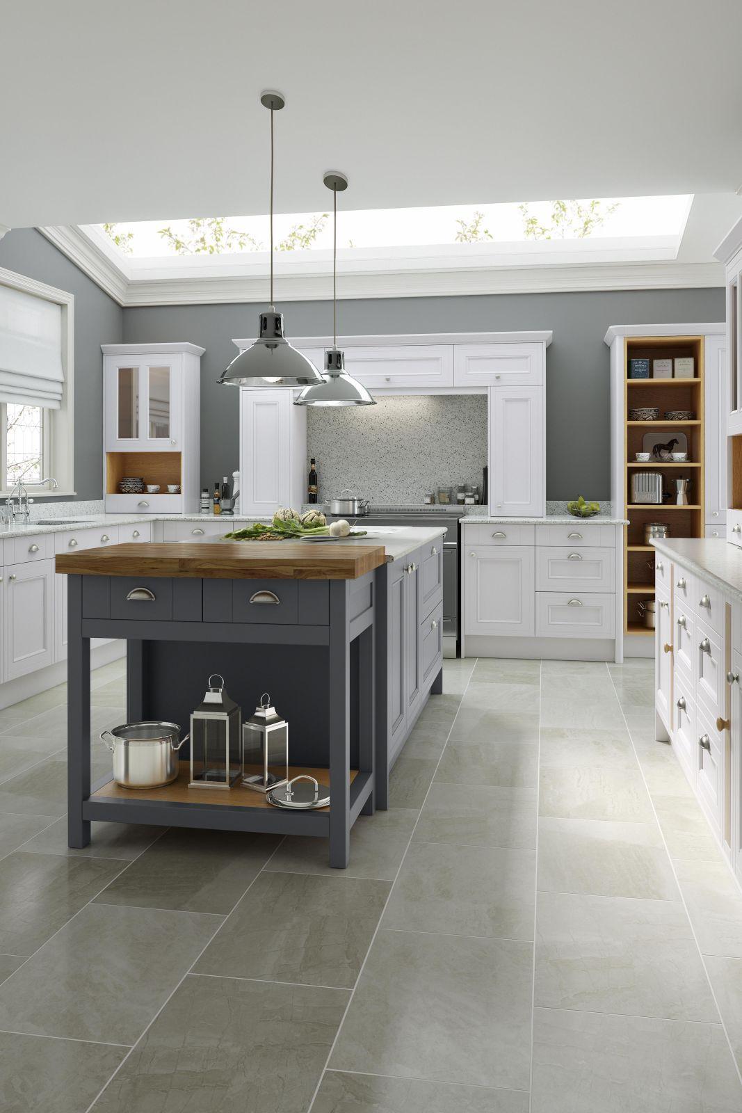 Country Kitchen in Chalk White & Castle Rock Wren