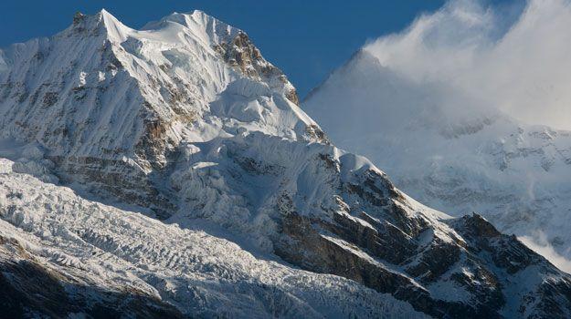 #Kangchenjunga, world's third highest mountain is located on Sikkim's border. #trek #climbs #serenity #TravelInIndia