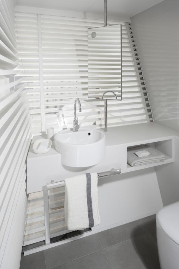 Meuble de salle de bain compact - design Patrick Norguet - Okko