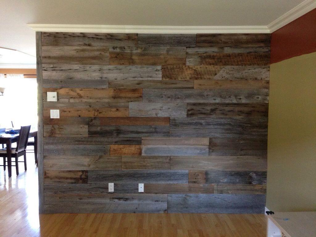Mur salon  Salon en bois, Bois de grange, Déco maison