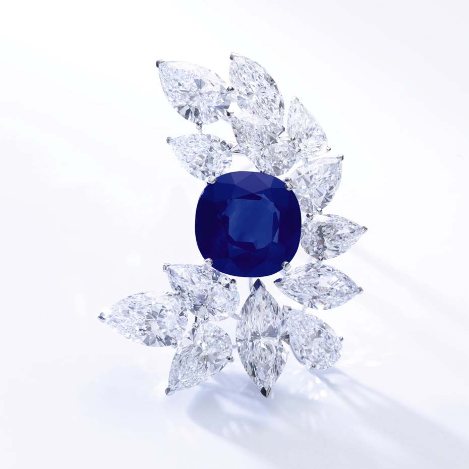 A @cartier #brooch set with #diamonds and a 27.54ct Kashmir #sapphire broke the record for a Kashmir sapphire #jewel when it sold for $6.16 million at @sothebysauction Geneva this week #kashmirsapphire #sothebys #auctions #luxury
