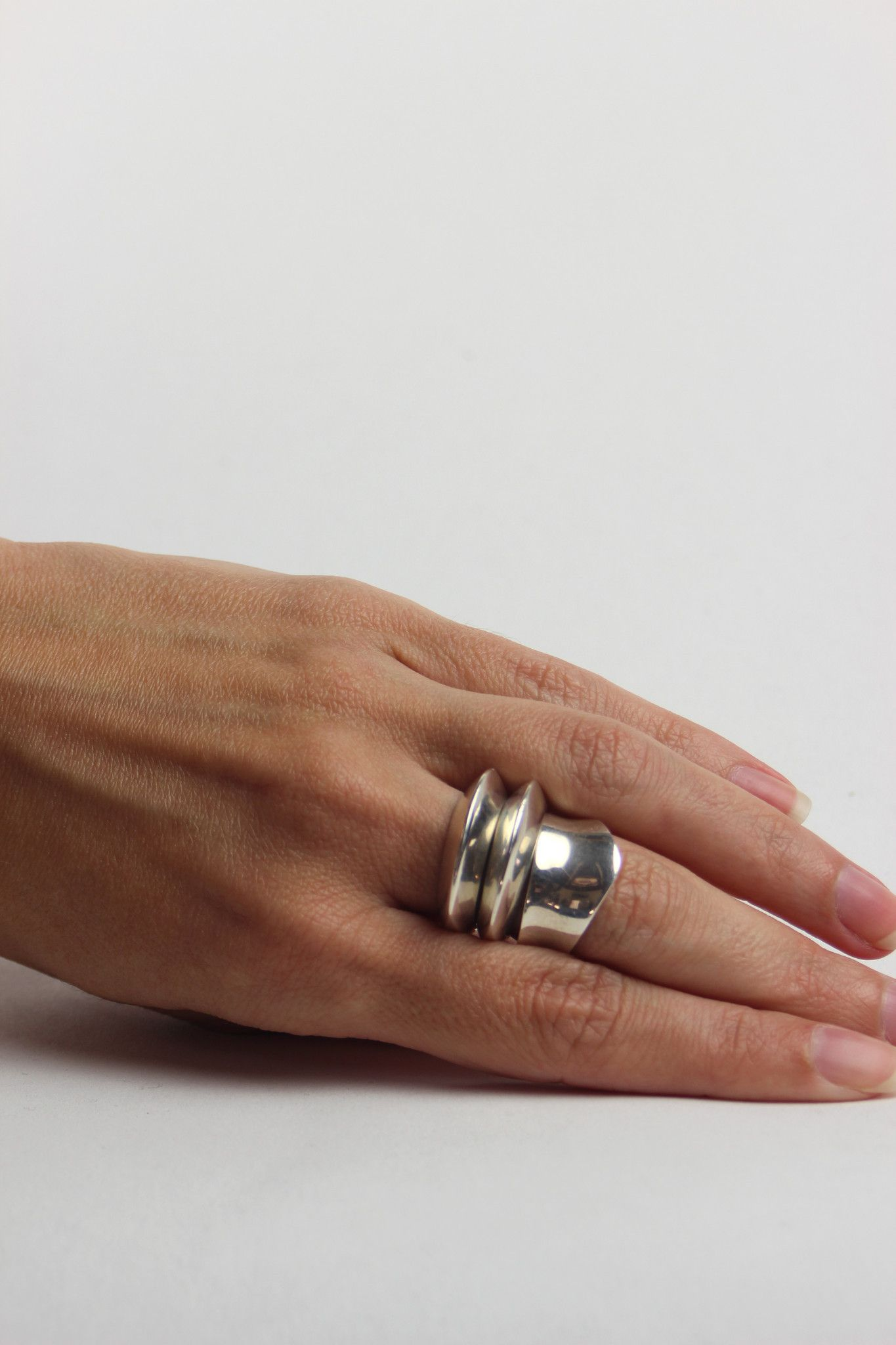 SOPHIE BUHAI, DISC AND DIMPLE RING SET. | @andwhatelse | something ...