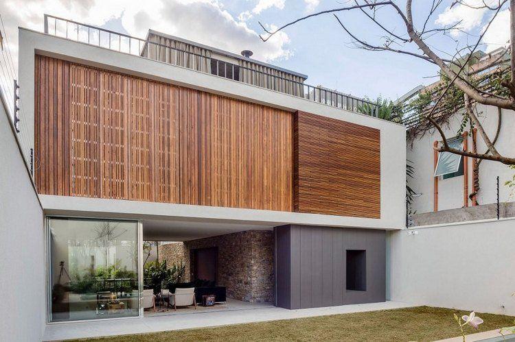 Bardage claire voie vertical et horizontal en bois- la Casa Lara