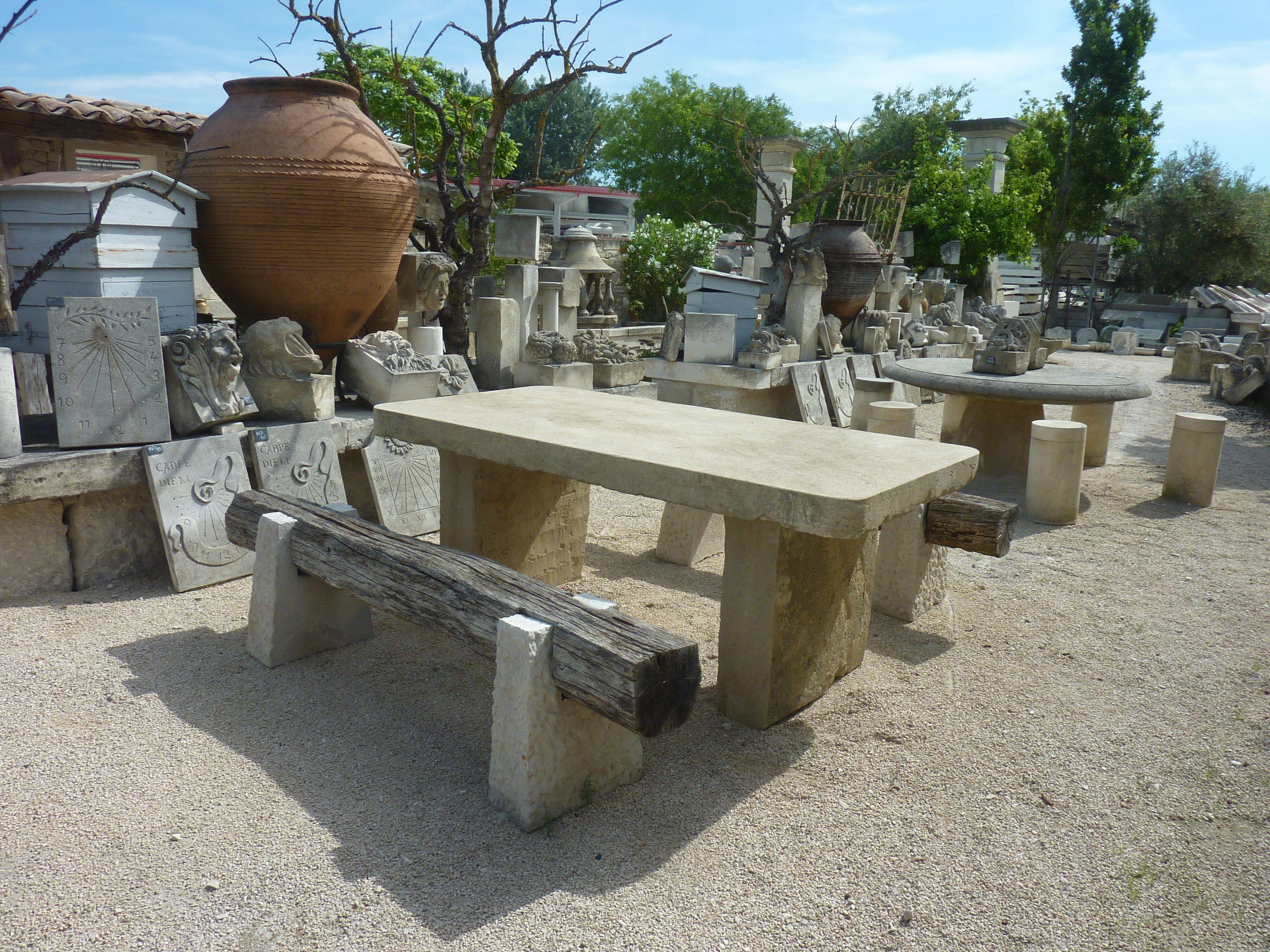 une magnifique table rustique et patine par le temps en pierre dure ancienne idale pour - Table En Pierre Exterieur