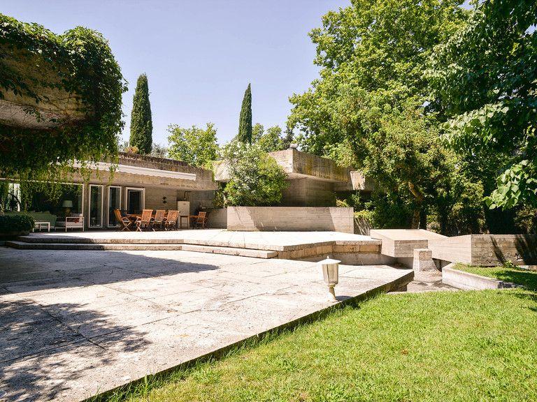 Arquitectura En Extinción Casa Carvajal Una Maravilla Brutalista En Madrid Arquitectura Española Arquitectura Arquitectura Brutalista
