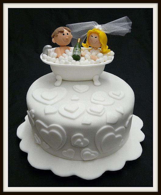 Bride groom bathtub cake topper. Cuuuute!
