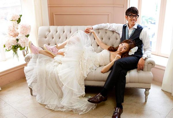 .Recently Nara and I were able to attend another wedding here in Korea, so we're  sharing with everyone on the blog ~ the wedding of Nara's old classmate Minah and her new husband Seunghun at the extremely high class Shilla Hotel in Seoul!.